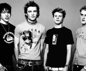 McFly, danny jones, and harry judd image