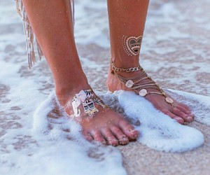 accessories and foot image
