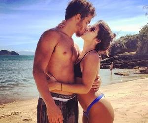 boy and girl, szeretlek, and csók image