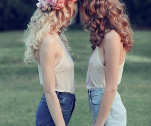 beautiful, friends, and flowers image