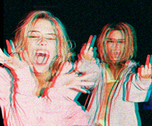 drugs and springbreakers image