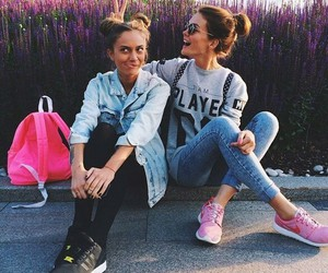 girl, friends, and nike image