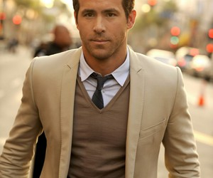 ryan reynolds, Hot, and actor image