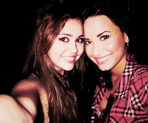 miley cyrus, demi lovato, and memi image
