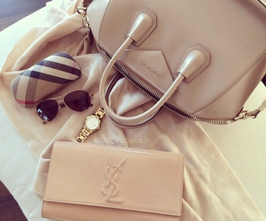 bag, beauty, and clutch image