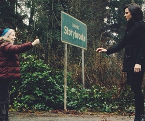 Emilie de Ravin, once upon a time, and ginnifer goodwin image