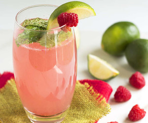 drink, lime, and raspberry image