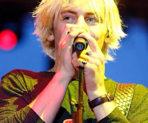 comedy, r5, and ross lynch image