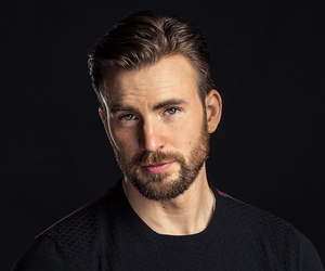 chris evans and captain america image