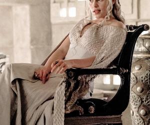 game of thrones and daenerys targaryen image