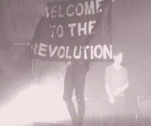 revolution, grunge, and the 1975 image