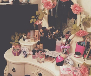 mirror, flowers, and girly image
