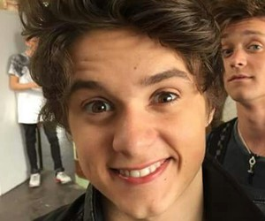 smile, bradley will simpson, and connor ball image