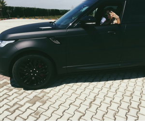 black, fashionista, and range rover image