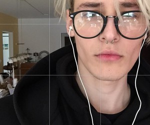 grunge, boy, and glasses image