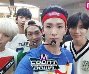 SHINee and kpop image