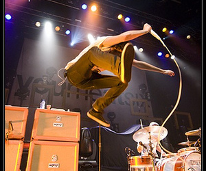 concert, jump, and you me at six image