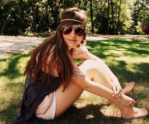beauty, grass, and linda image