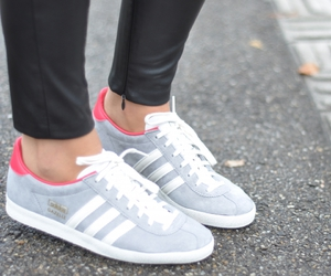adidas and chaussures image