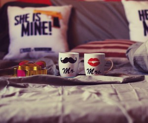 bed and love image