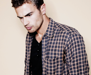 divergent, theo james, and insurgent image