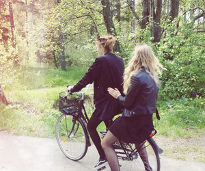 bike, friends, and outfits image