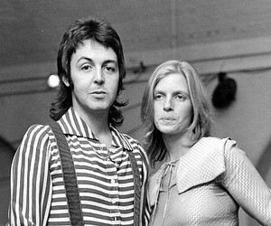 70s, Paul McCartney, and linda mccartney image