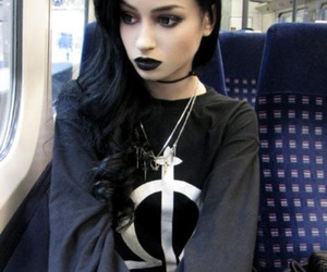 girl, black, and goth image