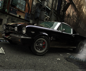 car and mustang image