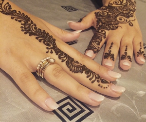 body, flawless, and henna image