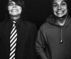 frank iero, my chemical romance, and gerard way image