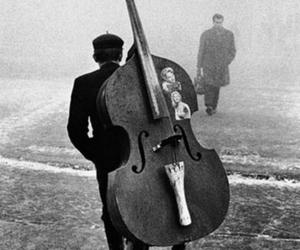 music and black and white image