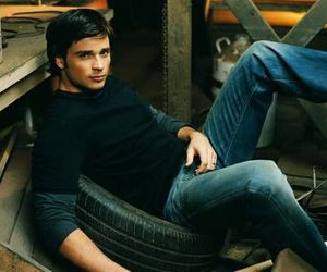 clark kent, tom welling, and smallville image