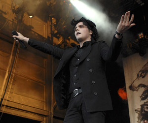 gerard way and mcr image