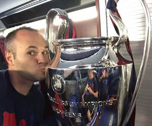 iniesta and champions image