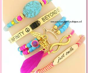 feathers, to infinity and beyond, and veer armbandjes image