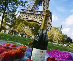 champagne, paris, and strawberry image