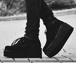 black, creepers, and fashionable image