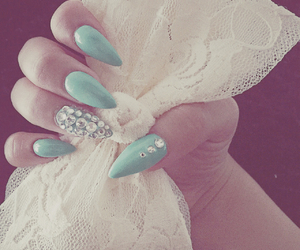 nails love them image