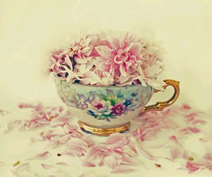 flowers, vintage, and cup image