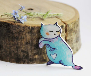 animal, brooch, and jewelry image