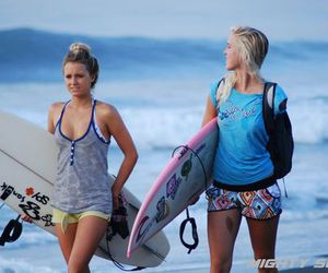 surf and friends image