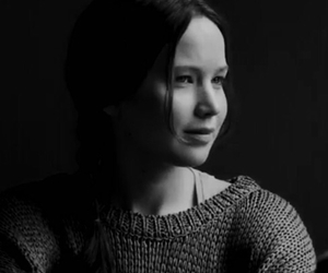 b&w, black and white, and katniss everdeen image