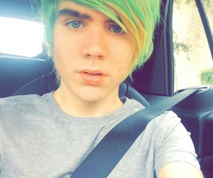 youtuber, new style, and damon fizzy image