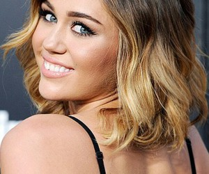 miley cyrus, tie and dye, and <3<3<3<3<3<3<3<<3 image