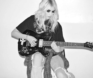 rock and Taylor Momsen image