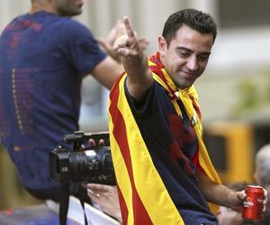 fc barcelona, capitan, and xavi image