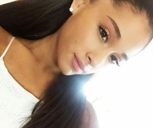 ariana grande and ❤️ image