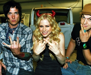 Avril Lavigne, fuck it, and middle finger image