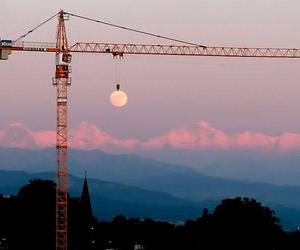moon and crane image
